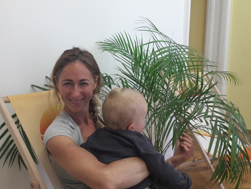 Kick-Off unter Palmen im ETI-Büro - die Vorfreude war auch bei den Kleinen groß