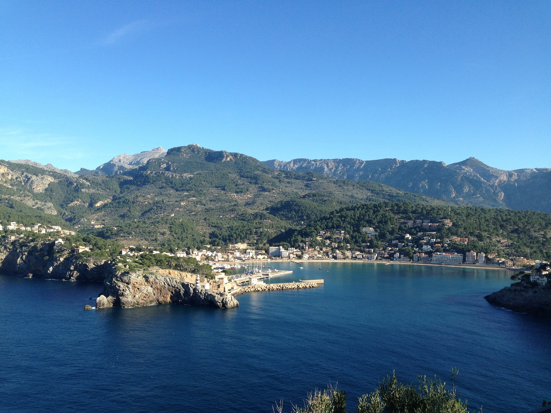 Port de Soller mit Hotels auf Mallorca