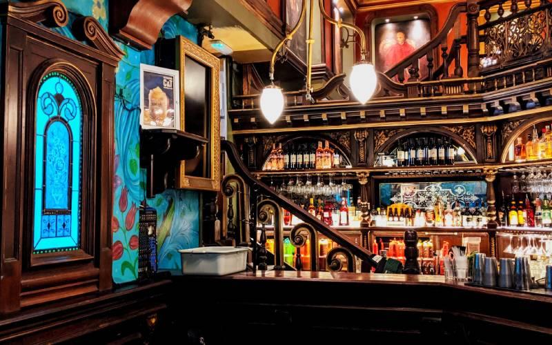 Ein berühmtes Pub in Galway